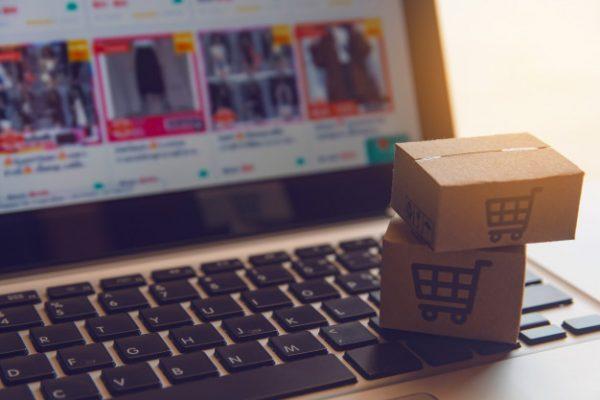 køb kjoler på nettet