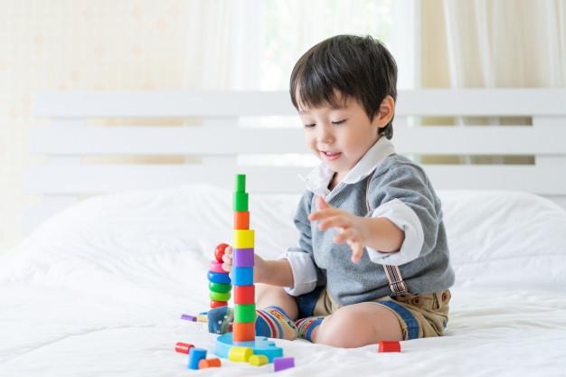 3 år barn leger