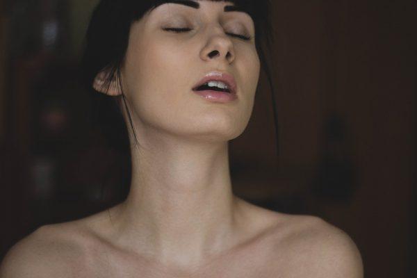 nøgenmodel